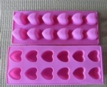 12CUP SILICON HEART PAN